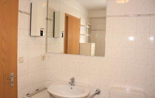Viktoriastr 11 - Badezimmer Untergeschoss