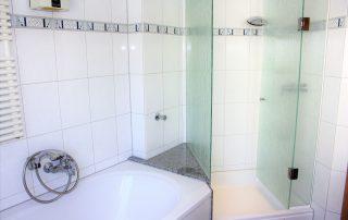 Viktoriastr 11 - Badezimmer EG